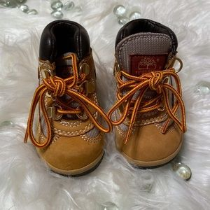 💎Toddler Timberland Field boots size 4